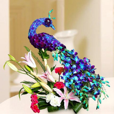 Peacock shaped arrangement