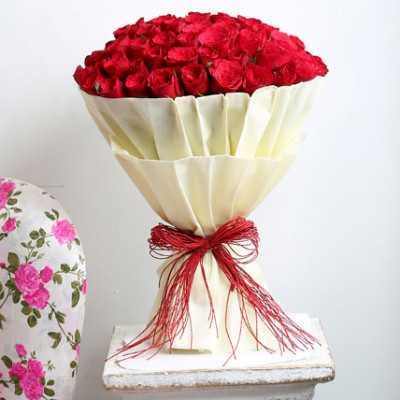 Amazing 100 Red Roses
