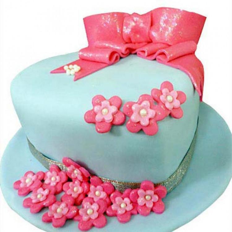 Tasty Hat Cake