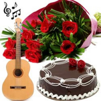 GUITARIST (ONLY ENGLISH SONGS) + 15 RED ROSES WRAPPED BEAUTIFULLY IN A HAND WOVEN SHEET + HALF KG CAKE AT MIDNIGHT ONLY ANYWHERE IN PUNE