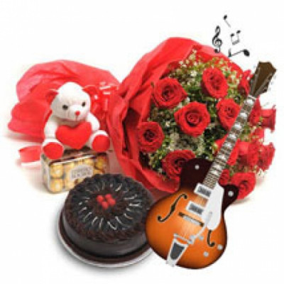VIOLINIST BOUQUET RED ROSES
